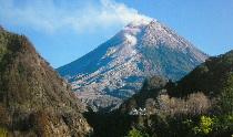 ムラピ山 登山