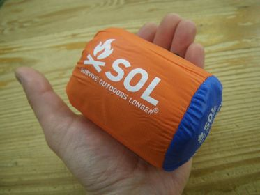 SOL ヒートシート エマージェンシーヴィヴィ ¥3190(税込)