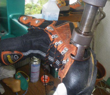 登山靴の 幅拡げ修理
