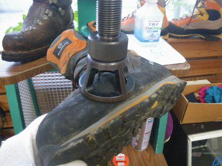 登山靴 修理 幅拡げ