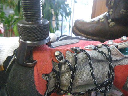 登山靴 サイズ調整 小指横修理