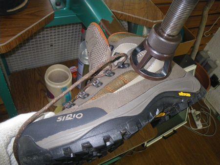 登山靴サイズ調整 幅拡げ修理 2020・02・23