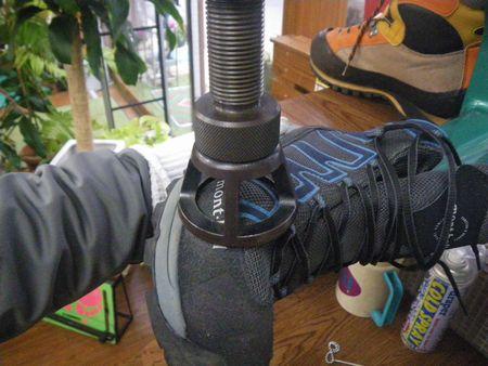 登山靴 サイズ調整 幅拡げ修理 20・2・17